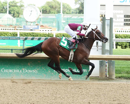 Tight Ten Breaking His Maiden at Churchill Downs